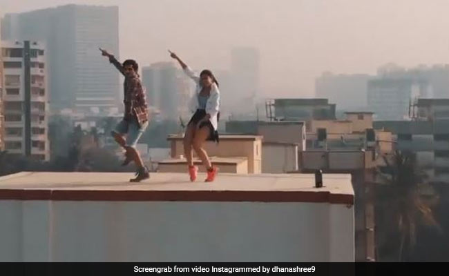 Yuzvendra Chahal's fiancée Dhanashree Verma climbed on Mumbai's High Rise Building, this dance video went viral