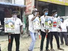 Amid Covid, Hundreds Of Supporters Meet Tamil Nadu Chief Minister