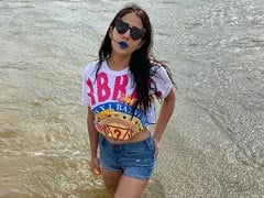Beach Baby Sara Ali Khan Shares New Pics. The Internet Loves Her Lipstick