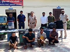 दिल्ली में गुलेल गैंग के 4 बदमाश पकड़े गए, कुछ इस तरह देते थे वारदात को अंजाम