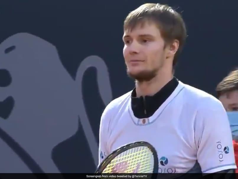 Tsitsipas to play Rublev in Hamburg Open final