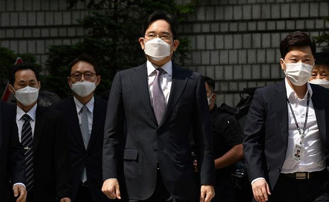 सैमसंग वारिस उत्तराधिकार से जुड़े सौदे में धोखाधड़ी का आरोप लगाया