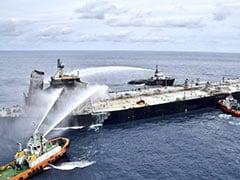 श्रीलंका के पास पिछले पांच दिनों से ऑयल टैंकर में लगी है आग, भारत ने फिर भेजी मदद