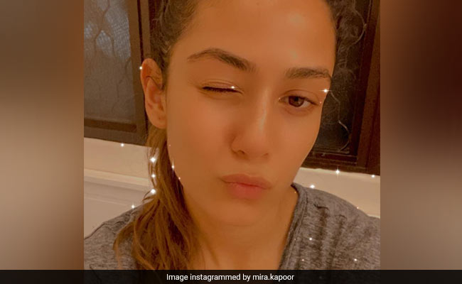 """Photo of This Pic Of Mira Rajput Sums Up Her """"Baby Hair"""" Problems"""