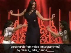 मलाइका अरोड़ा ने 'राम चाहे लीला' सॉन्ग पर किया धमाकेदार डांस- देखें थ्रोबैक Video