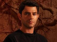 "After <I>Made In Heaven</i>, Arjun Mathur Has Set ""Higher Standards"" For Himself"