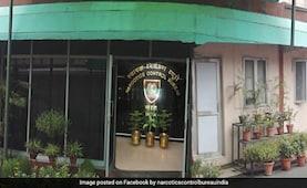 NCB ने दीपिका पादुकोण की मैनेजर करिश्मा प्रकाश को भेजा समन, घर से मिली ड्रग्स
