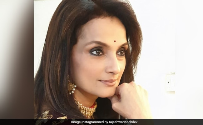 Photo of Actress Rajeshwari Sachdev Tests Positive For COVID-19, Quarantined At Home