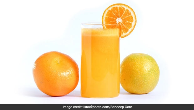 Vitamin C-Rich <i>Mosambi Anar</i> Juice Is Just What You Need To Boost Your Immunity