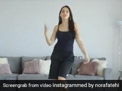 Nora Fatehi कर रही थीं डांस तभी मम्मी ने फेंक के मारी चप्पल, बोलीं- लोग कोरोना से मर रहे हैं और- देखें Video