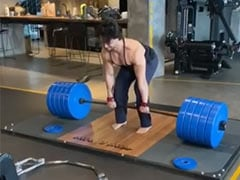 """Please Excuse Tiger Shroff's """"War Cries"""". Guess The Kilos He Is Deadlifting In This Video"""