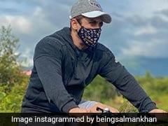 Salman Khan मास्क पहन साइकिल चलाते आए नजर, फैन्स दे रहे हैं ऐसा रिएक्शन...देखें वायरल Photo