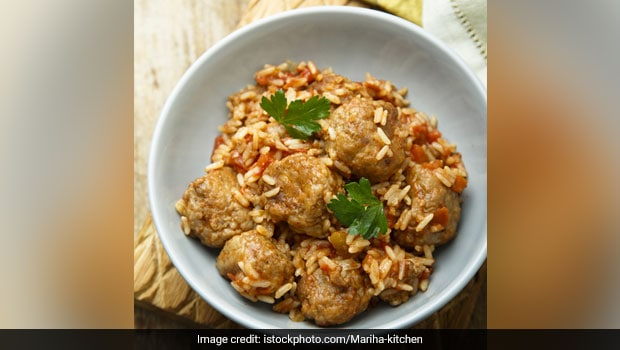 Give Your Beloved Biryani A Unique Spin With This Chicken <i>Kofta</i> Biryani Recipe