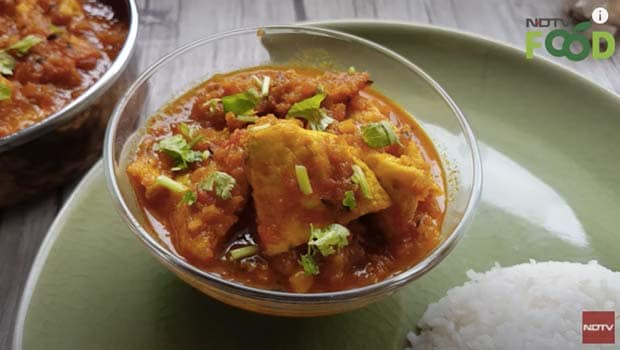 try this protein rich omelette curry with indian style video inside