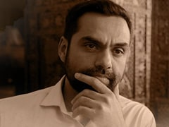 <I>JL50</i> Review: Abhay Deol, Pankaj Kapur's Show Is Too Enamoured Of Its Own Strangeness