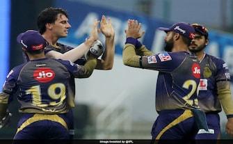 IPL 2020: पैट कमिंस की शानदार गेंदबाजी देख युवराज ने ट्वीट कर किया कमेंट, बोले- इनसे सीखें युवा गेंदबाज..