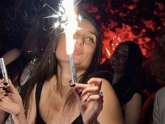 Viral: Kareena Kapoor Grooving To <i>Don't Stop Me Now</i> On Her Birthday