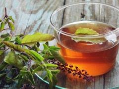<i>Tulsi</i> And <i>Ashwagandha</i> Green Tea May Help Beat Stress And Anxiety - Experts Reveal