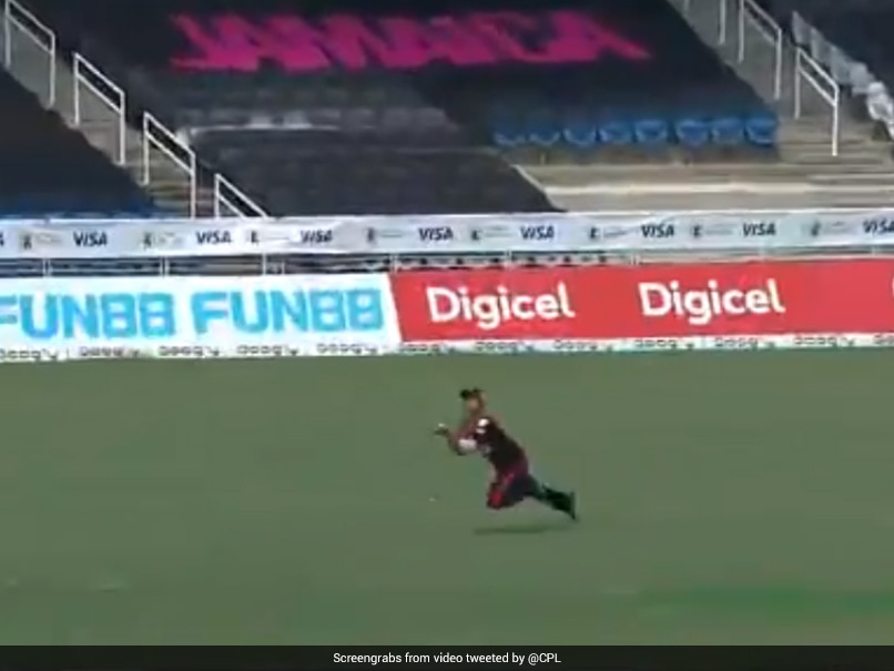 """""""Aged Like Fine Wine"""": Pravin Tambe Defies Age With Incredible Catch In CPL 2020"""