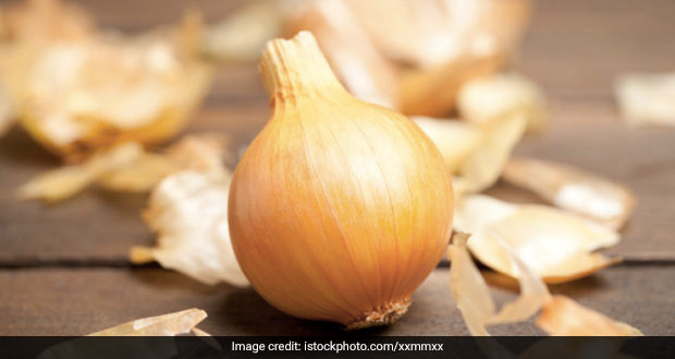 6 Onion Peel Tea Benefits That'll Convince You To Save Those Onion Skins