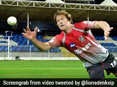 IPL 2020: जॉन्टी रोड्स ने हवा में उड़कर लिया नामुमकिन कैच, देखते रह गए खिलाड़ी... देखें Video