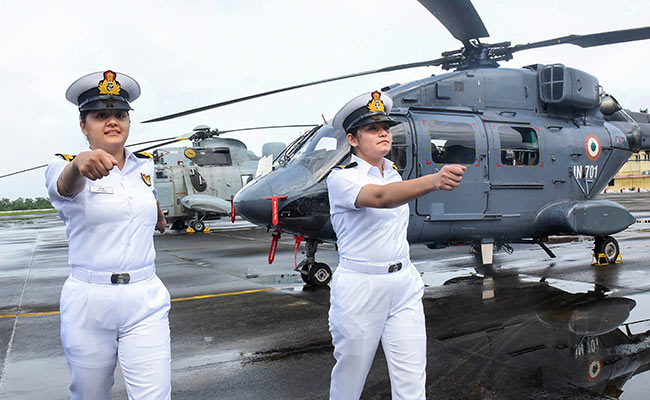 first woman aviators in indian navy