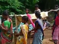 Andhra Pradesh Villagers Carry Pregnant Woman On Cot To Nearest Hospital