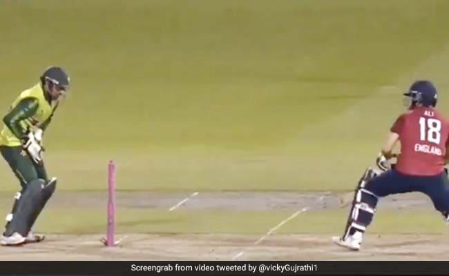 Eng Vs Pak: सरफराज अहमद ने छोड़ी इतनी आसान स्टम्पिंग, लोगों ने जमकर किया Troll - देखें Video