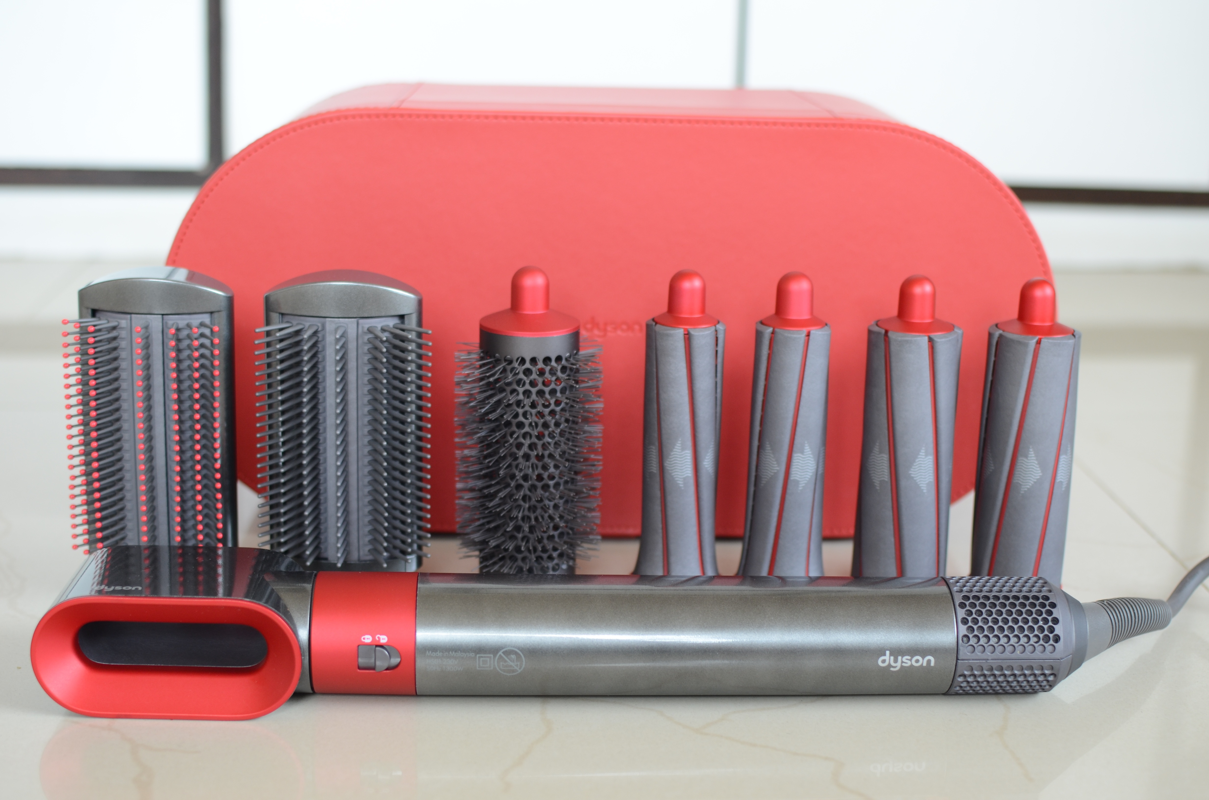 Beauty Tool Hairstyle Hot Brush I Tried The Dyson Limited Edition Red Airwrap Complete Styler For My Wavy Hair