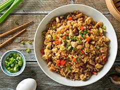 Chicken Fried Rice Recipe: टेस्टी चिकन फ्राइड राइस घर पर बनाना बहुत आसान देखें ये रेसिपी!