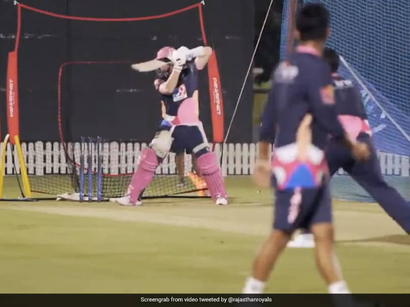 IPL 2020, RR vs CSK: Rajasthan Royals Captain Steve Smith Gears Up For Opening Match In First Net Session. Watch