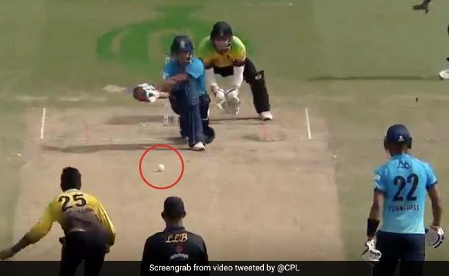 CPL 2020: अफगान बल्लेबाज ने उल्टा बल्ला घुमाकर जड़ा ऐसा छक्का, देखता रह गया गेंदबाज़... देखें Video