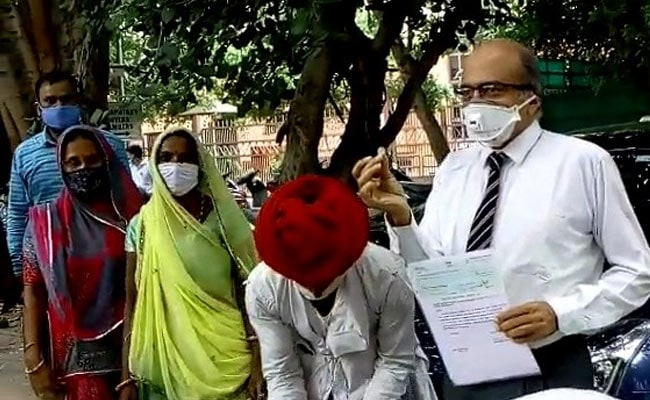 'Doesn't Mean I've Accepted Verdict': Prashant Bhushan Pays Re 1 Fine