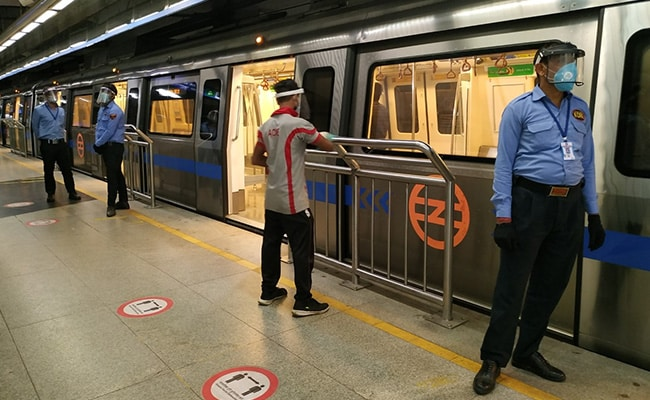 Theaters of Delhi at 50%;  Metro Trains, buses at full capacity From Monday