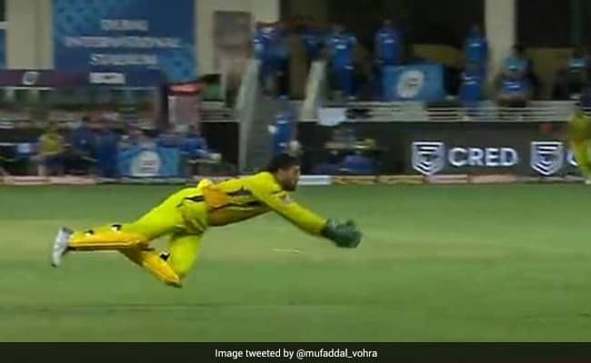 IPl 2020 CSK vs DC MS Dhoni takes an excellent diving catch Watch Video