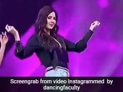Katrina Kaif ने 'हुस्न परचम' सॉन्ग पर डांस कर स्टेज पर मचाया तहलका, खूब Viral हो रहा है Video