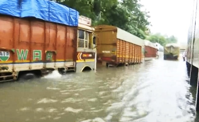 5 Relief Teams On Standby In Mumbai After Heavy Rain: Minister