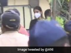 सुशांत सिंह केस : NCB के लॉकअप में कटी रिया चक्रवर्ती की रात, भायखला जेल होगी नया ठिकाना