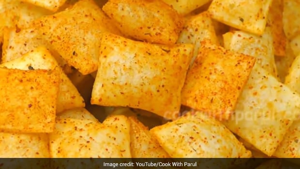 Watch: How To Make Crispy, Crunchy <i>Desi</i> Chips With Just Three Ingredients