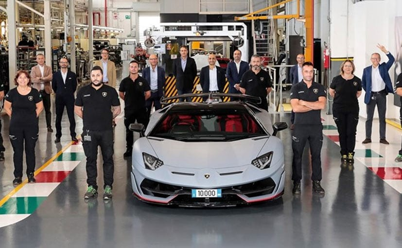 The team with the 10,000th Lamborghini Aventador
