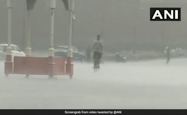 Heavy Rain, Thunderstorm Hit Delhi, Waterlogging In Several Areas