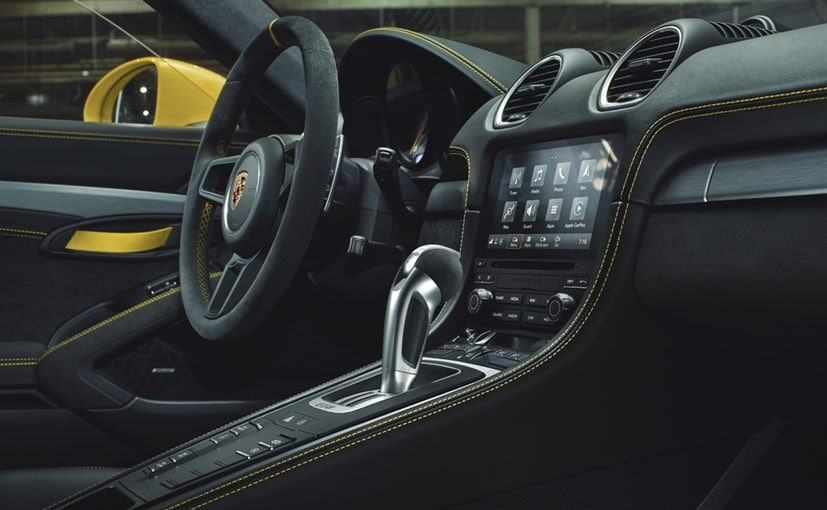 The Porsche 718 Spyder & 718 Cayman GT4 get the 7-speed Porsche Dual-Clutch Transmission (PDK)
