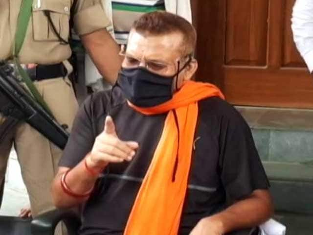 Video: Ex-Bihar Top Cop Meets Nitish Kumar Days After Quitting