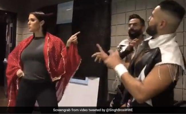 Mistress of WWE danced to songs by Odhi Lal Chunariya and Aamir Khan, watch video