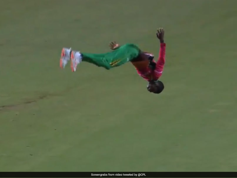 """CPL 2020: Kevin Sinclair Celebrates Wicket With """"Dangerous"""" Double Somersault. Watch"""