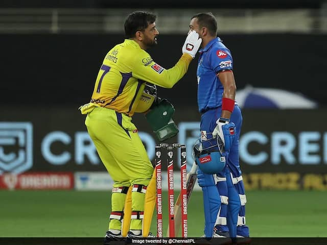 """""""More Than Just A Game"""": MS Dhoni Wins Hearts With His Sportsmanship"""
