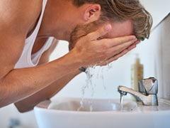 Skincare Tips For Men: पुरुष भी पा सकते हैं टाइट और ब्राइट स्किन, आज से ही अपनाएं ये 4 टिप्स!