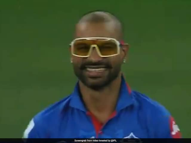 """IPL 2020: Shikhar Dhawan Sports """"Uber Cool Glasses"""" During CSK Game, Kevin Pietersen Says He Really Wants Them. Watch"""