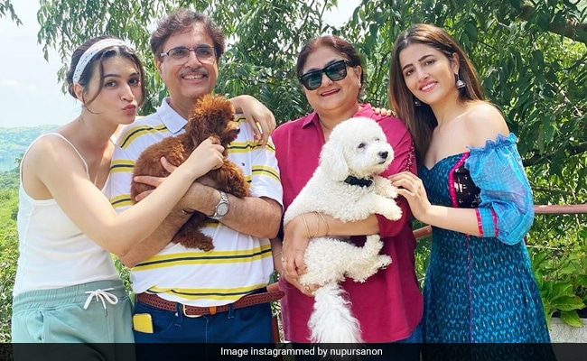 How To Chill Like The Sanons - Fab Pics From Kriti And Nupur's Family Getaway