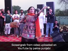 Sapna Choudhary ने स्टेज पर जबरदस्त डांस से मचाया धमाल, बार-बार देखा जा रहा Video